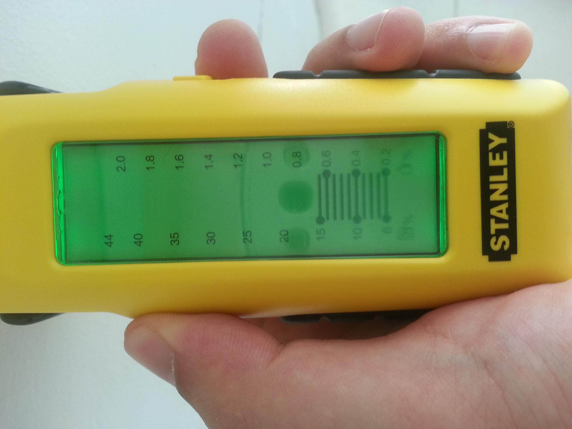 Misuratore d'umidità per rilevare l'umidità delle pareti