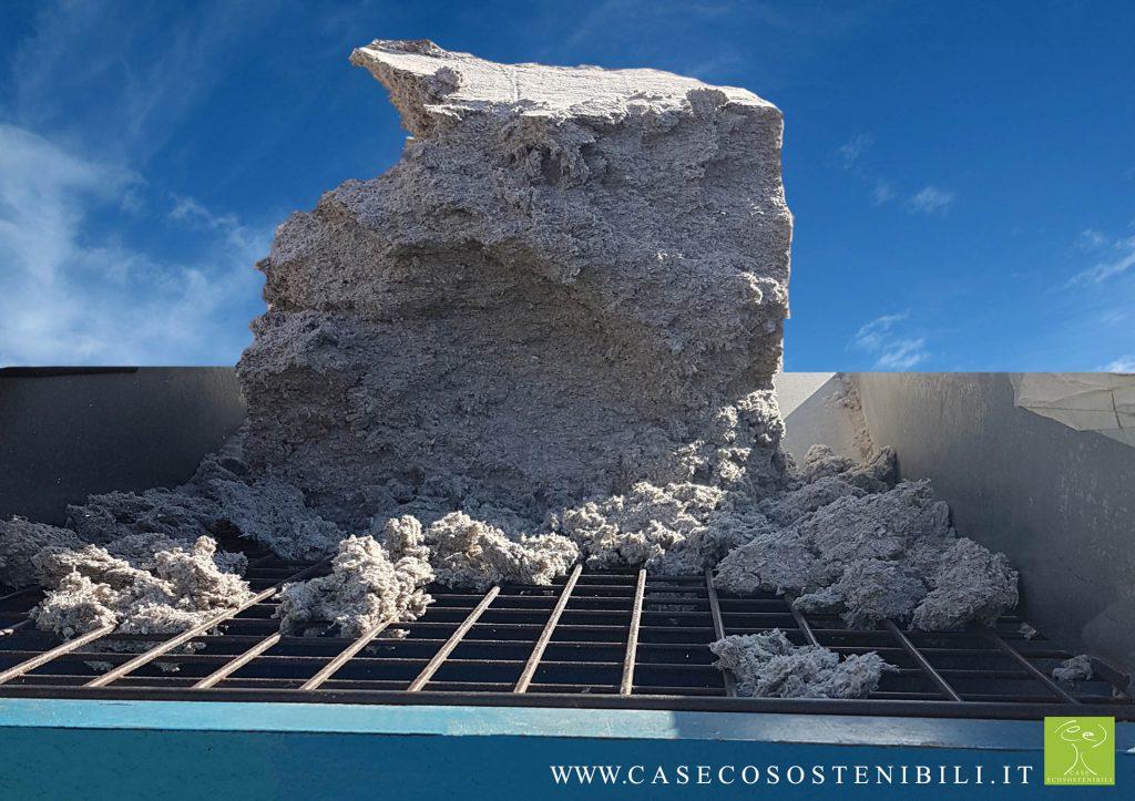 insufflaggio per risolvere con pochi euro problemi di freddo inverno caldo estate cellulosa lana vetro materiale coibentante nell'articolo